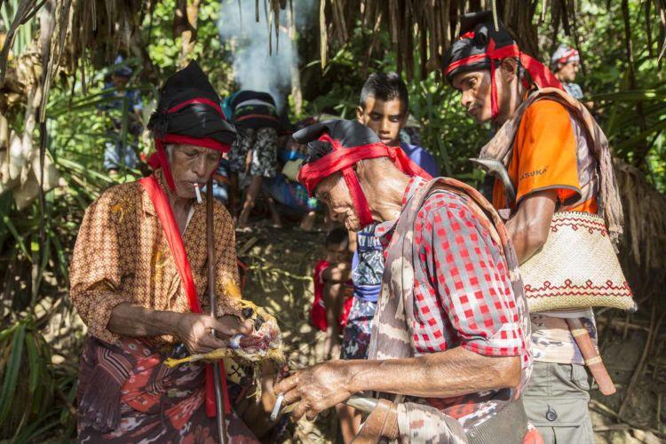 12_pasola_sumba_animist_festival_indonesia_alexandra_radu