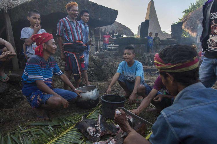 15_pasola_sumba_animist_festival_indonesia_alexandra_radu