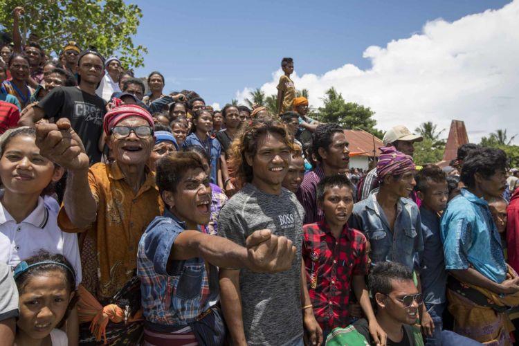 24_pasola_sumba_animist_festival_indonesia_alexandra_radu
