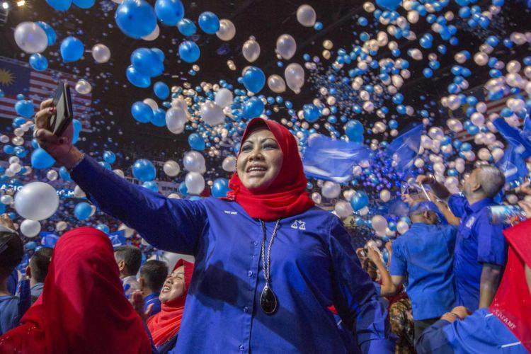 7_malaysia_elections_barisan_nasional_politics_alexandra_radu