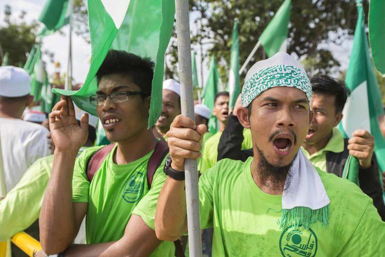 8_malaysia_elections_islamic_party_pas_alexandra_radu