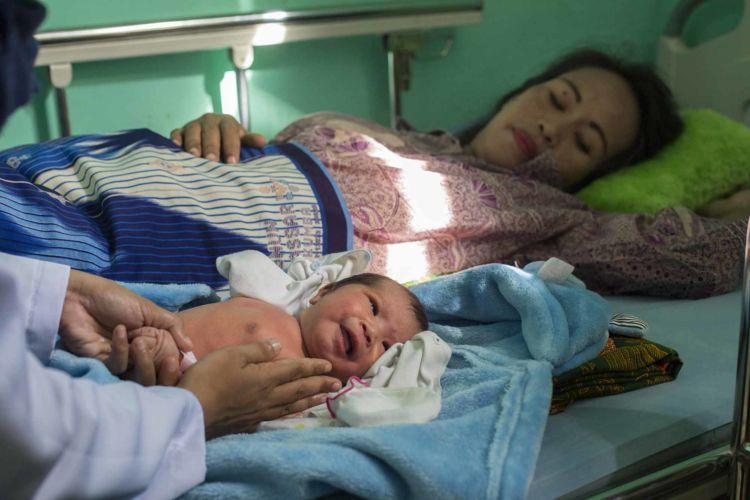 Alexandra_Radu_mother_and_child_healthcare_makassar_14